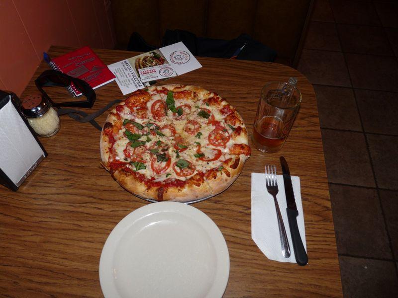 Vallejo Napoli Margharita Pizza Credit Barbara Steinberg 2009 1